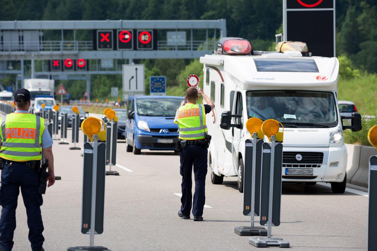 Grenzkontrollen RŸckreise Stau A7 Verkehr